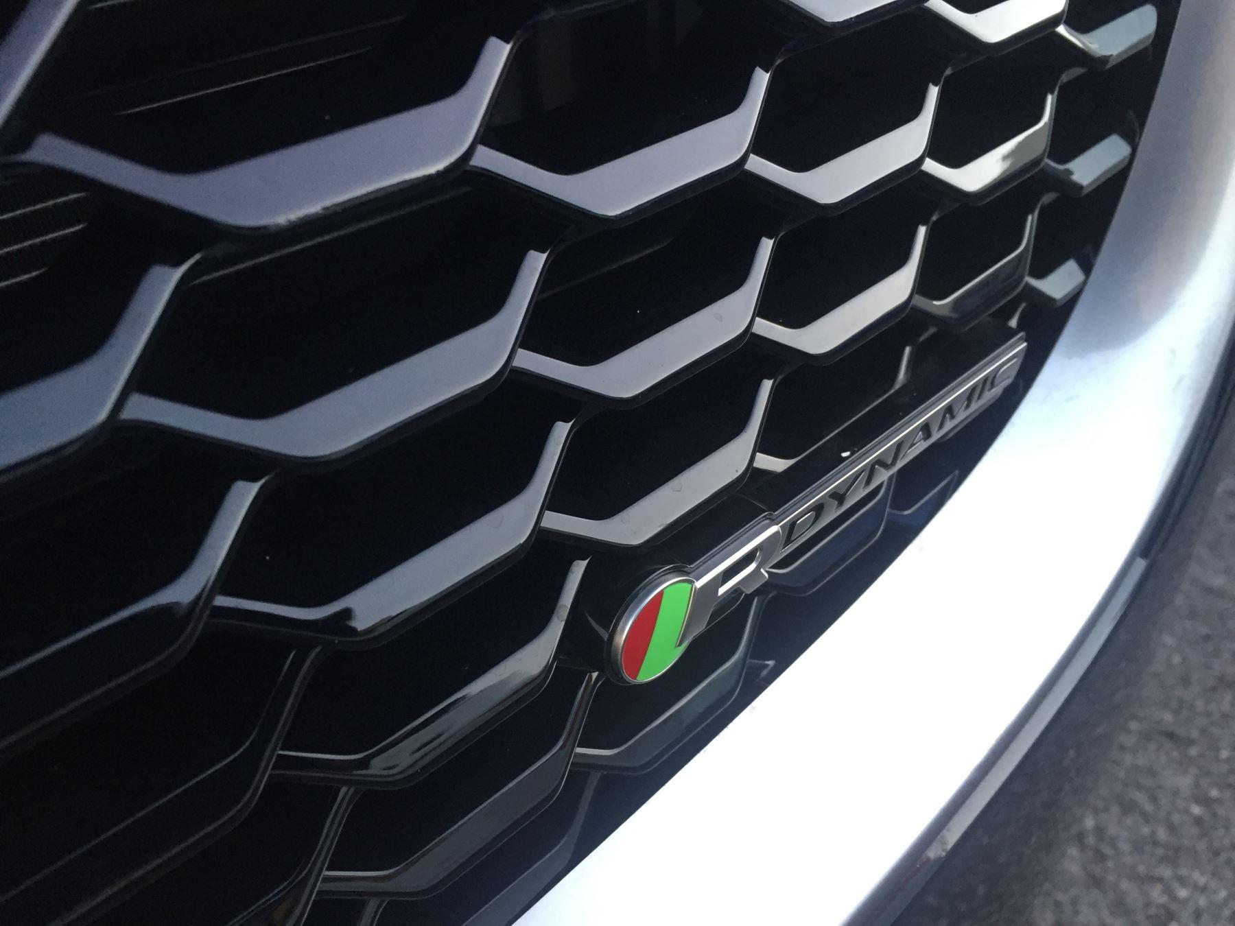 Jaguar E-PACE 2.0 R-Dynamic S image 9